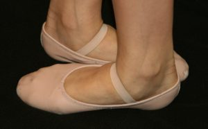 ballet_shoes_in_fifth_position